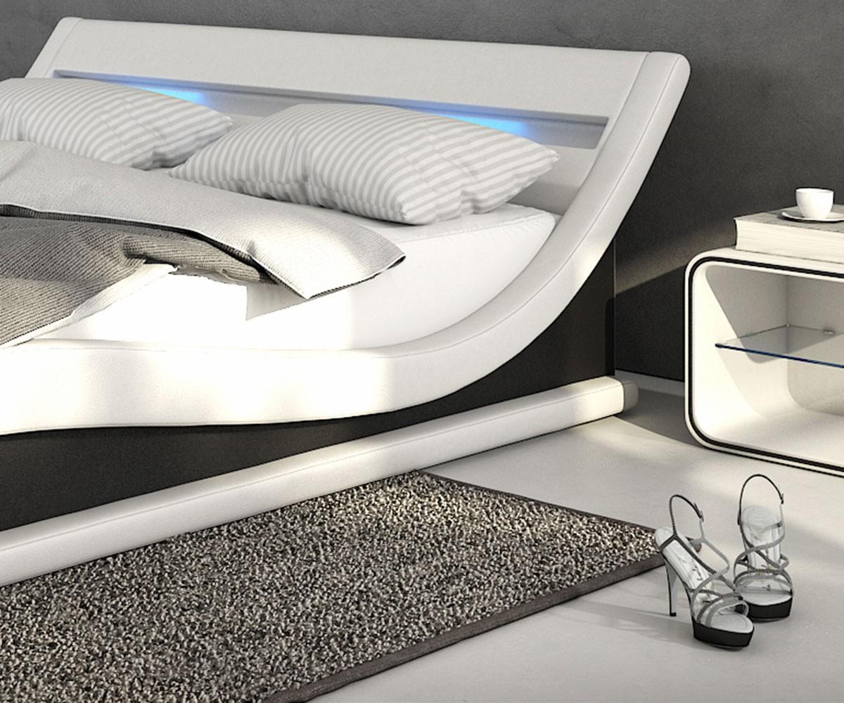 bett belana weiss schwarz 180x200 cm mit led kopfteil polsterbett. Black Bedroom Furniture Sets. Home Design Ideas